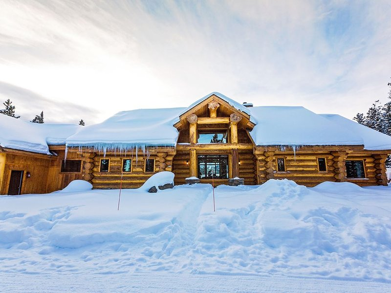 Lone Mountain View Log Home in Big Sky, Montana, holiday rental in Big Sky