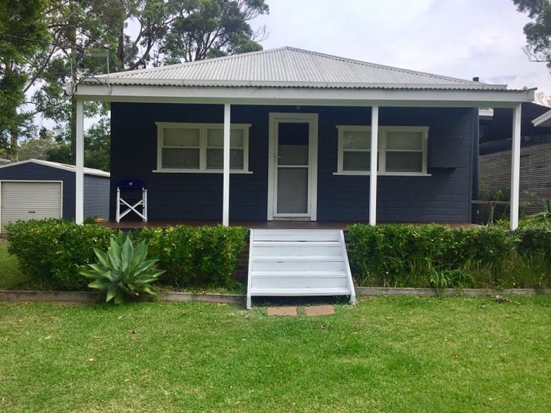 Nautilus in North Bendalong is a cute coastal cottage of yesteryear., holiday rental in Bendalong
