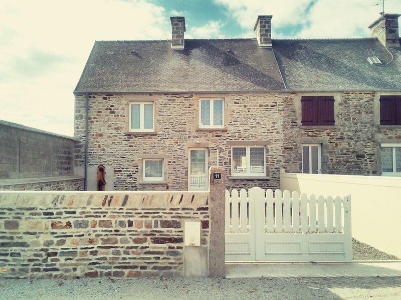 Maison de vacances familiale proche de la mer, vacation rental in Surtainville