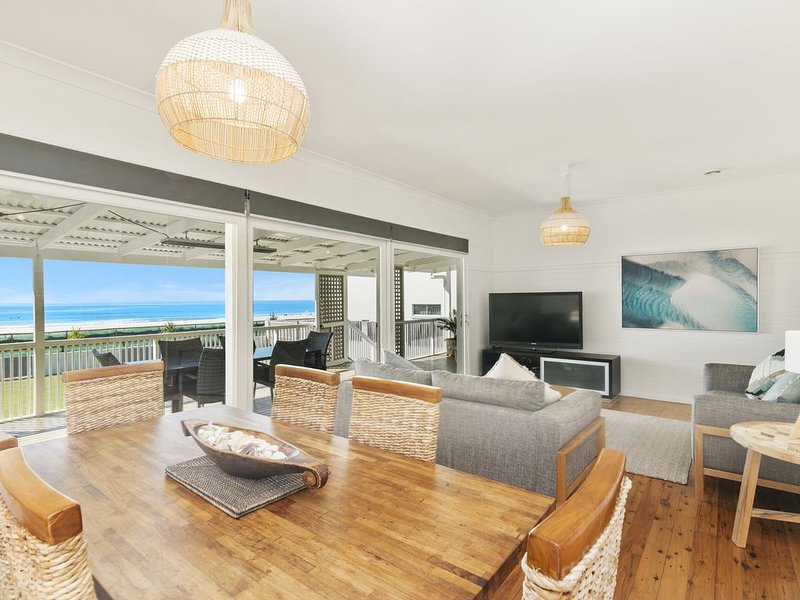 Gold Coast Beach Front House, holiday rental in Gold Coast