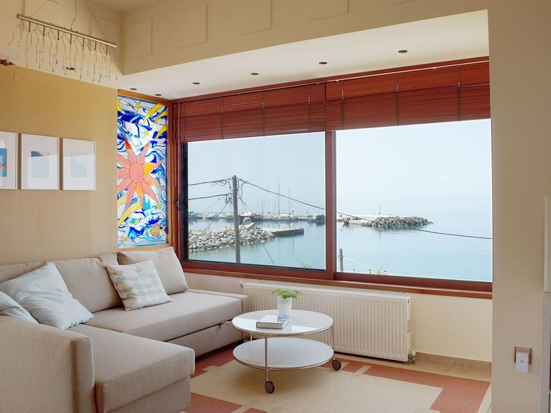 Comfortable Apartment - Sea View, holiday rental in Loutra