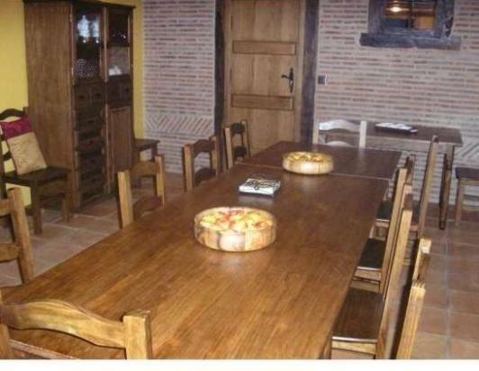 Casa rural (alquiler íntegro) Aldeas de Treviño para 7 personas, holiday rental in Abalos