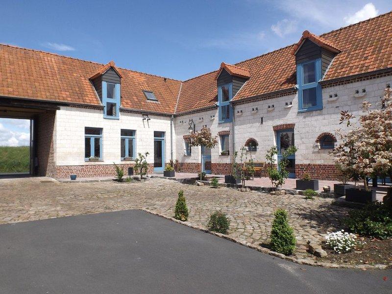 Gite de caractère entièrement rénové  en pierres blanches du 19 ème, vacation rental in Lens