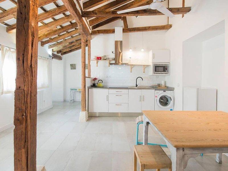 Apartamento Especial Patio Toledano SXVI reformado, casa vacanza a Burguillos de Toledo