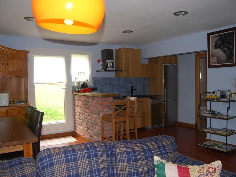 Apartamento cerca de Bilbao, holiday rental in Maruri-Jatabe