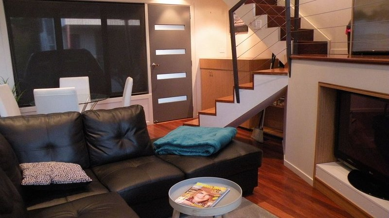 Relax at the Loft - close to everything, holiday rental in Inverloch
