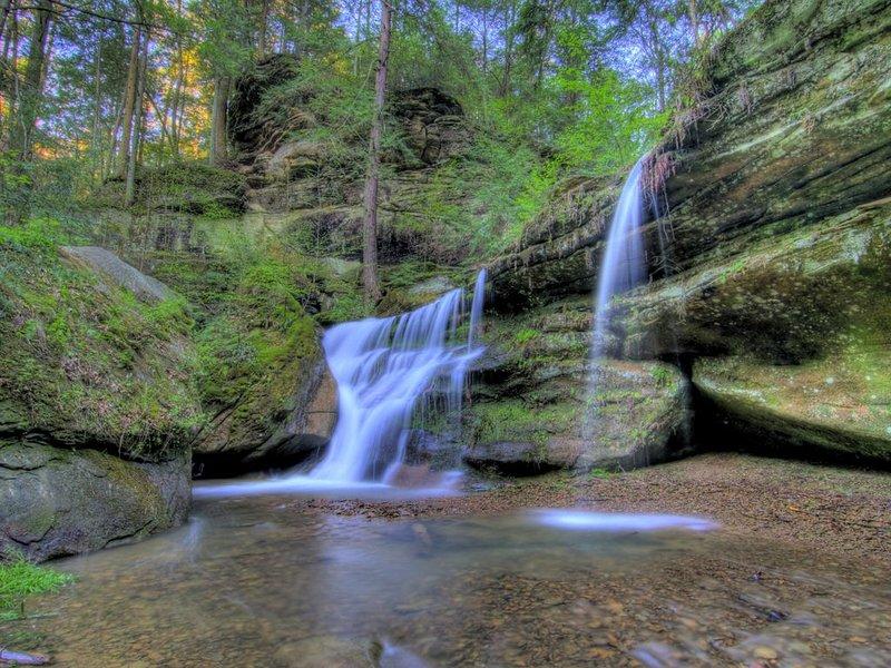 Hocking Hills Cedar Falls.