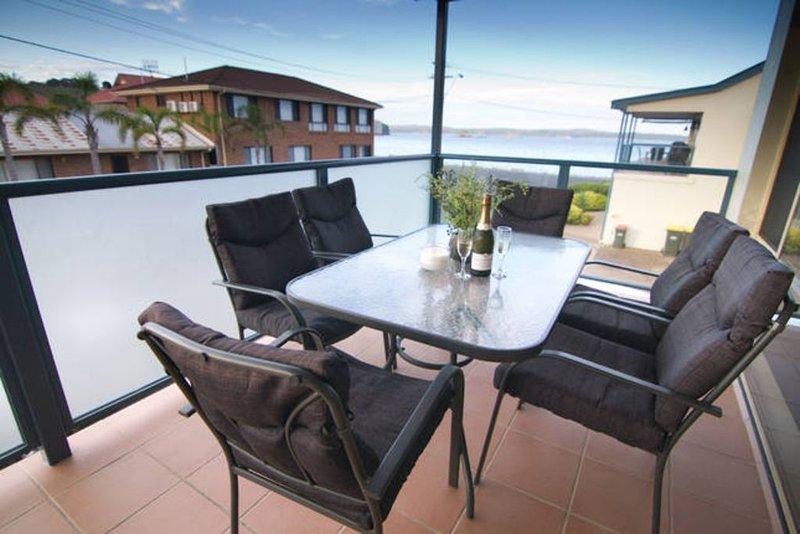 Caseys Beach Holiday Unit, holiday rental in Batehaven