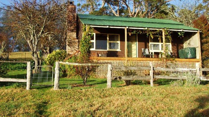 Apple Tree Cottage - Tilba Tilba, holiday rental in Eurobodalla