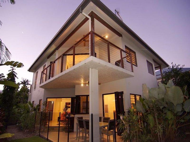 Hai Villa Port Douglas, holiday rental in Julatten
