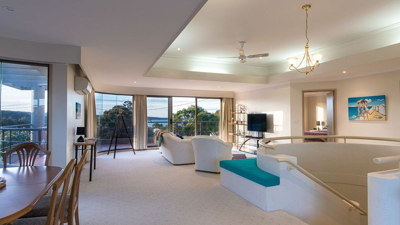 Doubleview Merimbula ~Complete Comfort~ 2 Story Holiday Home., holiday rental in Merimbula