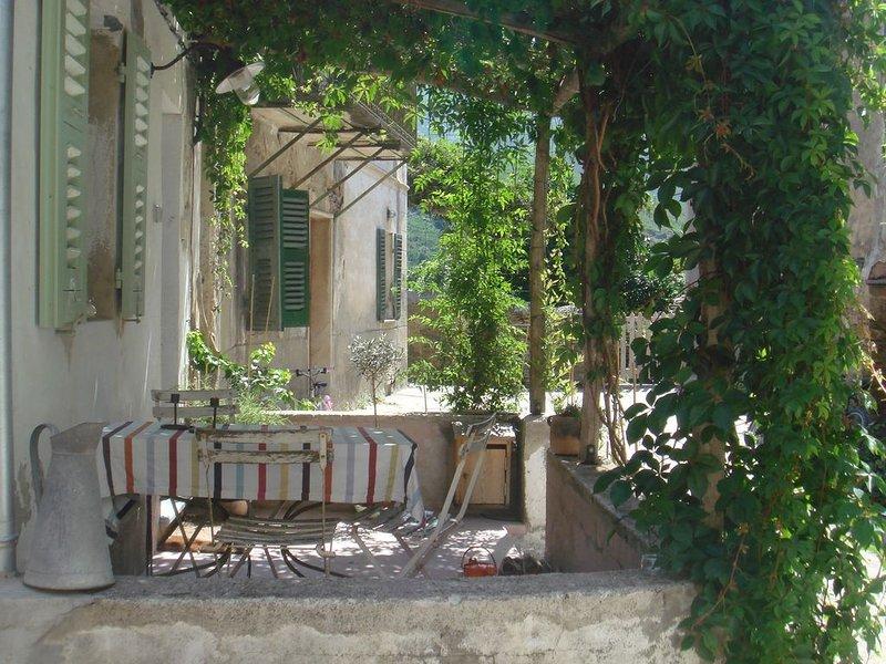 Cap Corse Maison de Charme 7/8 personnes, holiday rental in Ogliastro