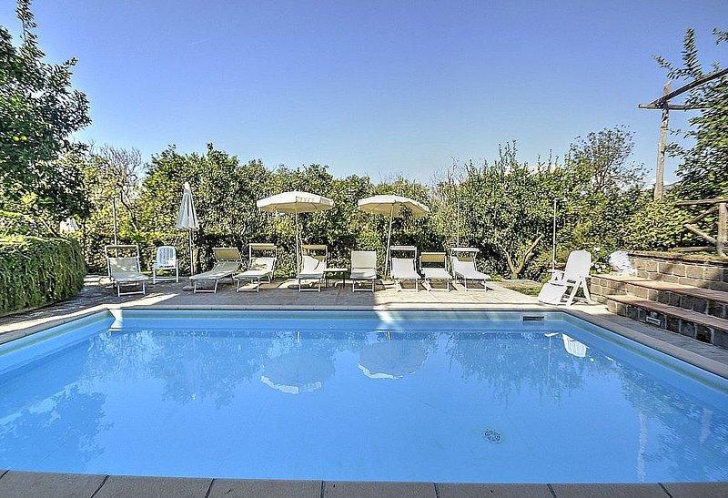 Villa Fillide B, rimborso completo con voucher*: Un gradevole appartamento circo, location de vacances à Sant'Agnello