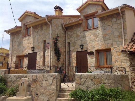 Las Casas de Isabel: Casa Eusebio y Casa Candelas para 4 personas, location de vacances à Mombeltran