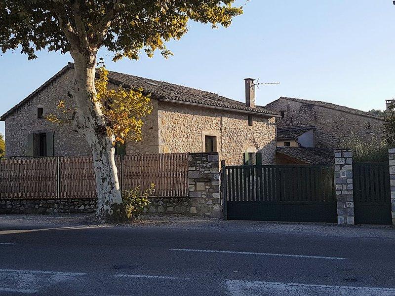Location proche centre ville Vallon Pont d'Arc, holiday rental in Lagorce
