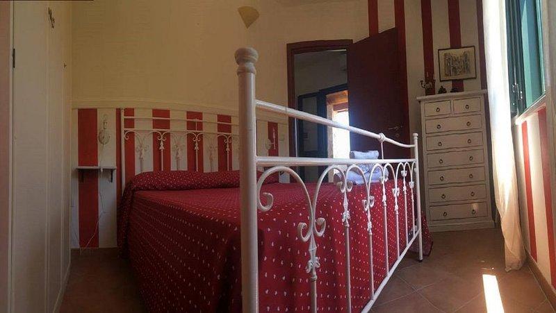 Appartamento 'Fuoco' in residence 'Villa Giulia'adiacente spiaggia Michelino, vacation rental in Parghelia