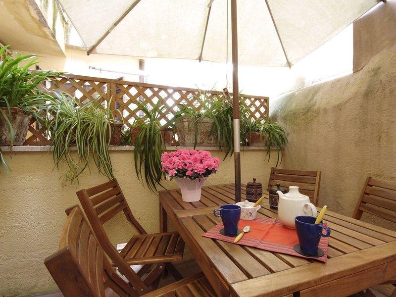Cedro, accogliente e tranquillo appartamento con terrazza a Trastevere!!!, holiday rental in Vatican City