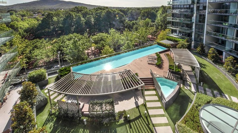 Manhattan on the Park - Luxury 2 bedroom apartment, holiday rental in Australian Capital Territory