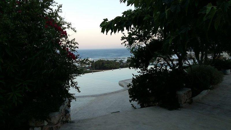 Vue splendide sur la mer Egée et les Cyclades, vacation rental in Lefkes