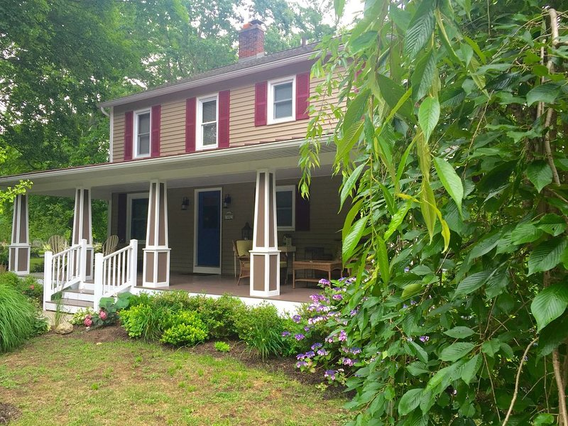 Heartland House Has Everything You Need For the Perfect Getaway!, vacation rental in Saugatuck