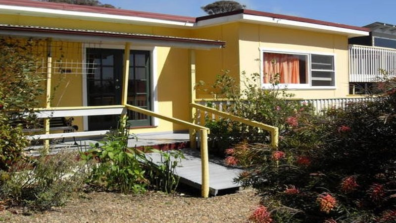 Didi's Classic Cottage Mystery Bay, holiday rental in Kianga