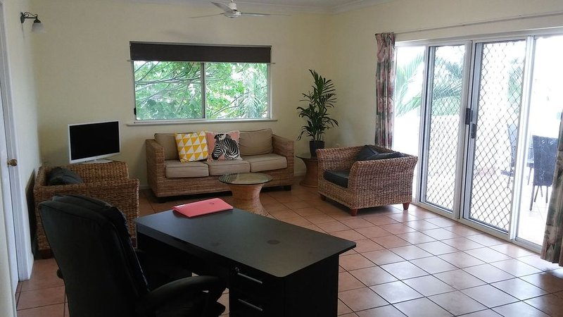 2 Bedrooms City Garden Apartment, aluguéis de temporada em Cairns