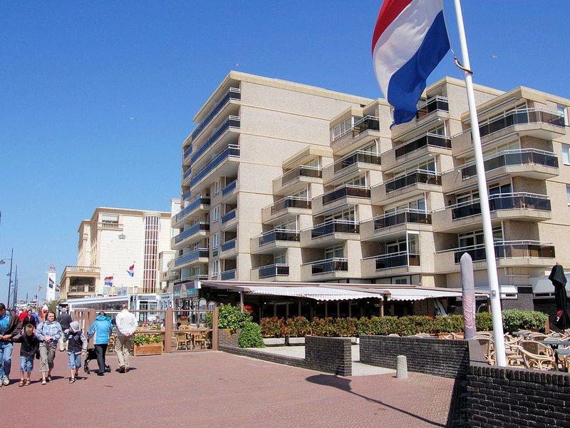 Classy Apartment in Noordwijk with Balcony, casa vacanza a Noordwijk