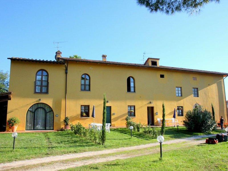 Farmhouse in Vinci with Swimming Pool, Terrace, Garden, BBQ, location de vacances à Vinci