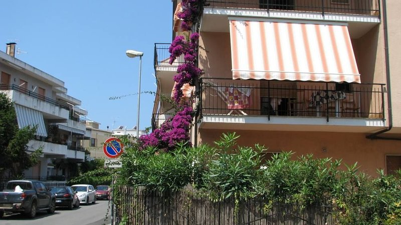 Appartamento in centro paese e vicino al mare, vacation rental in Verbicaro