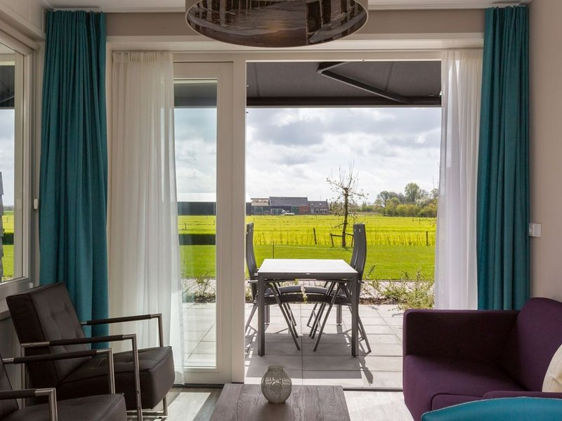 Luxury house with sauna and sun shower on the edge of the pretty village Oostkap, holiday rental in Aagtekerke