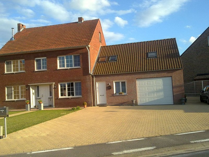 Very comfortably furnished holiday home in the Kempen., location de vacances à Postel
