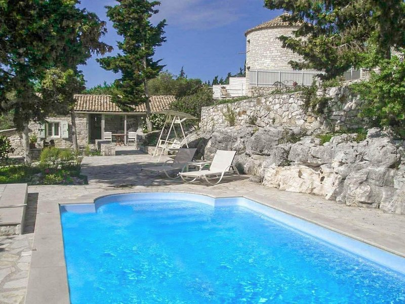 Millers Cottage: Large Private Pool, A/C, WiFi, location de vacances à Paxos