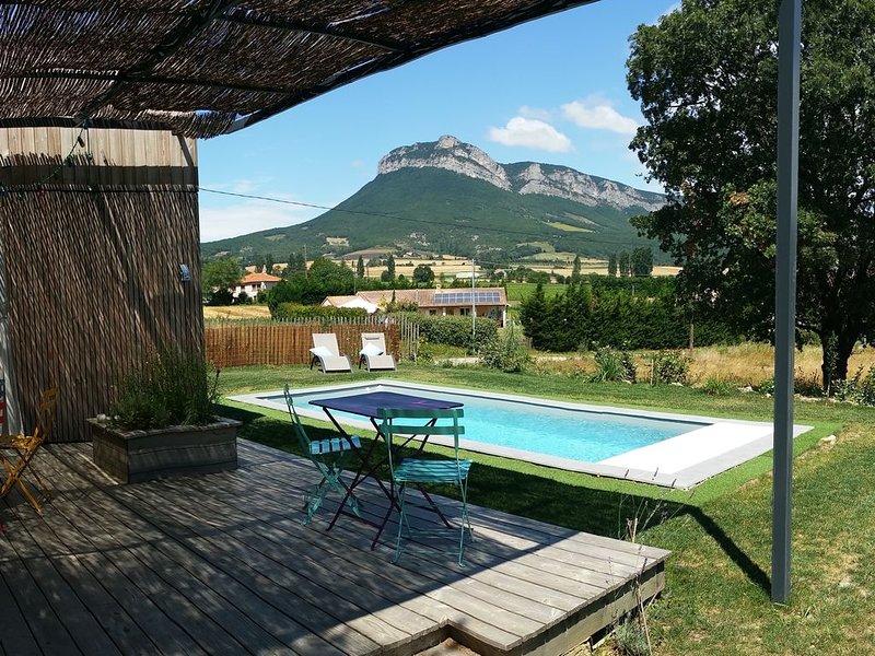 Bois de Garance, gîte écologique tout confort, avec piscine privative, location de vacances à Divajeu