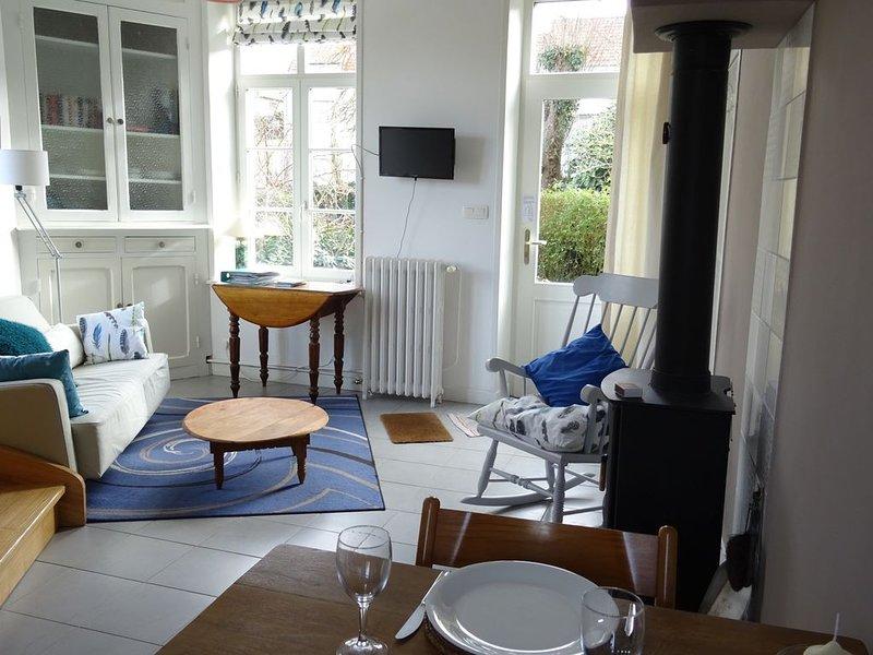 The Artist's Den. Appartement de charme niché dans un écrin de verdure., casa vacanza a Belle-et-Houllefort