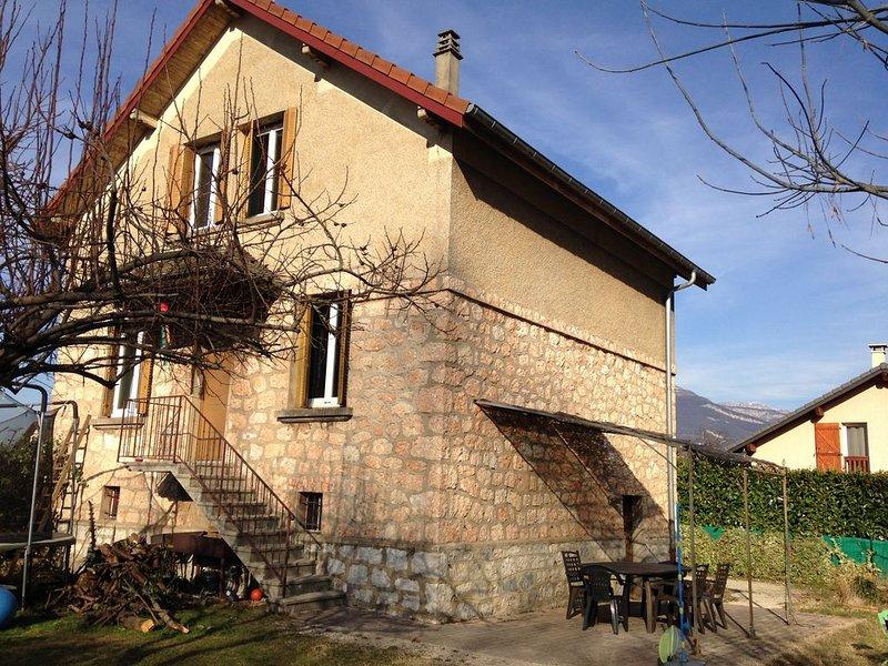 Maison familiale Cognin - proche Chambéry, 9 p 140m², location de vacances à Lepin-le-Lac