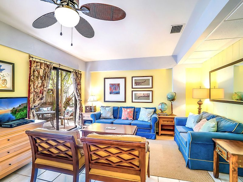8 Steps to the Sand and Best Value on Siesta! - The Siesta Key Poor-Boy, casa vacanza a Gulf Gate Estates