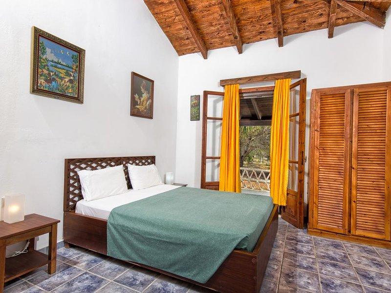 Kassiani House 2-Bedroom House with garden, in Gerakas Zakynthos, holiday rental in Vasilikos