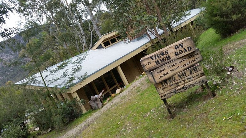 Views on High Road - ideal family getaway, Ferienwohnung in Halls Gap