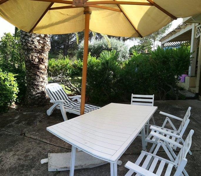 Villa in front of the sea, Cala Sinzias, South Sardinia, location de vacances à Cala Sinzias