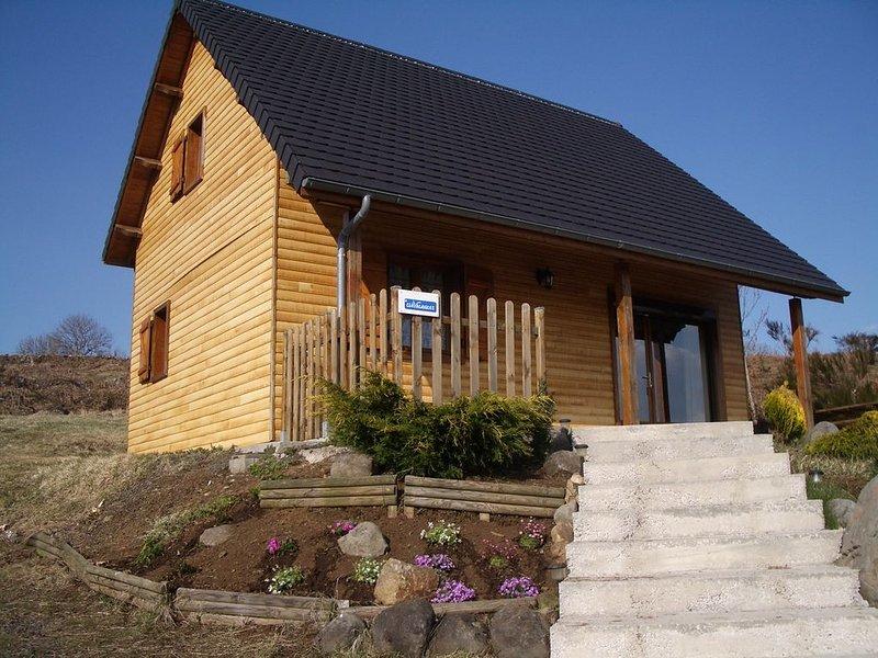 Chalet 6 personnes proche Super-Besse, location de vacances à Saint-Genès-Champespe