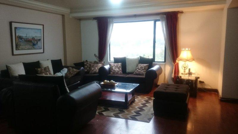 2br* Luxury And Best Location In Quito. LA CAROLINA, alquiler de vacaciones en Quito