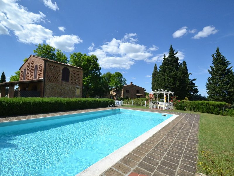 Spacious Apartment in Montaione Italy with Swimming Pool, holiday rental in Montaione