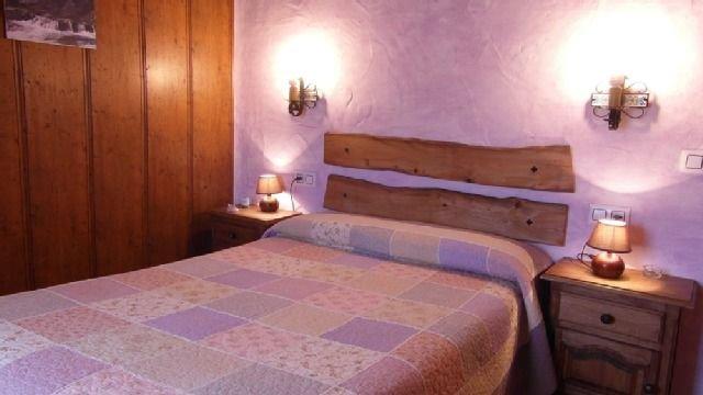 Casa rural (alquiler íntegro) Los Portalones Gredos para 2 personas, aluguéis de temporada em Hoyorredondo