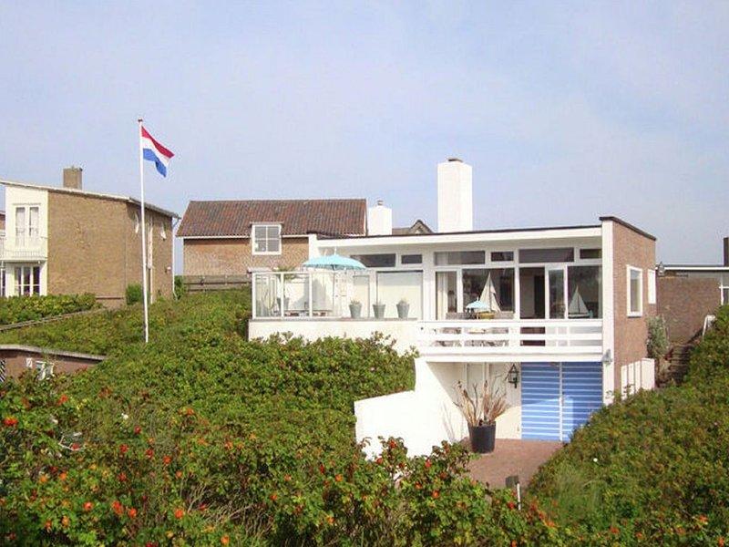 Quaint Apartment in Bergen aan Zee by the Seaside, holiday rental in Bergen aan Zee