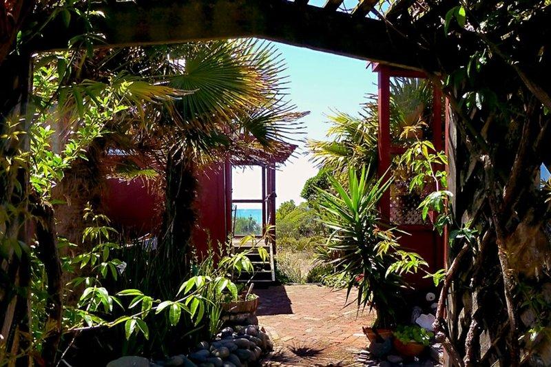 BEACH FRONT - TRANQUIL & RELAXING  - 15 MINUTES TO NAPIER, alquiler de vacaciones en Havelock North