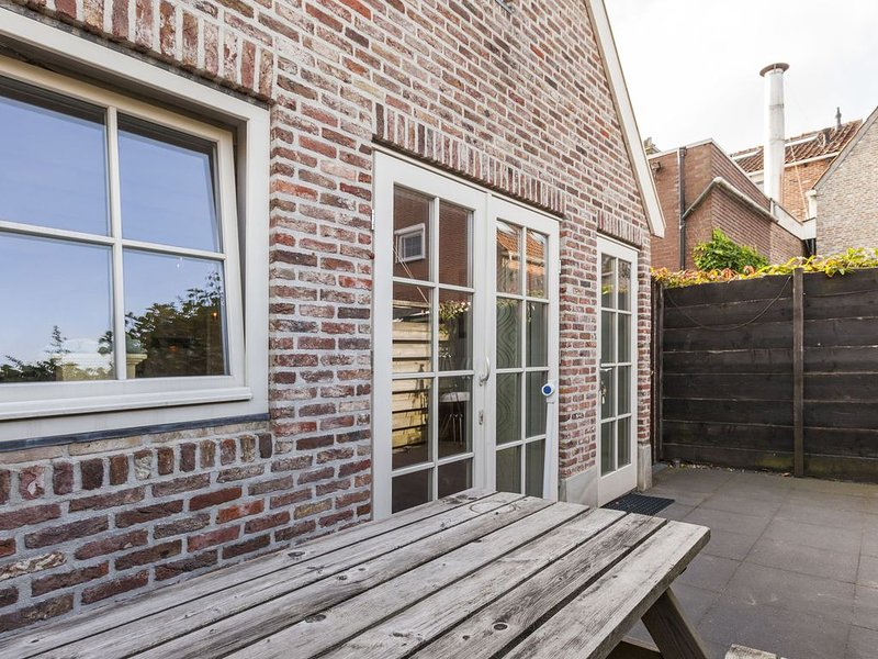Tasteful Holiday Home in Wemeldinge near Sea, holiday rental in Baarland