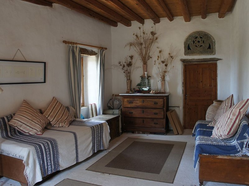 Beautiful, quiet, farmhouse on island of Andros, Greece, holiday rental in Andros