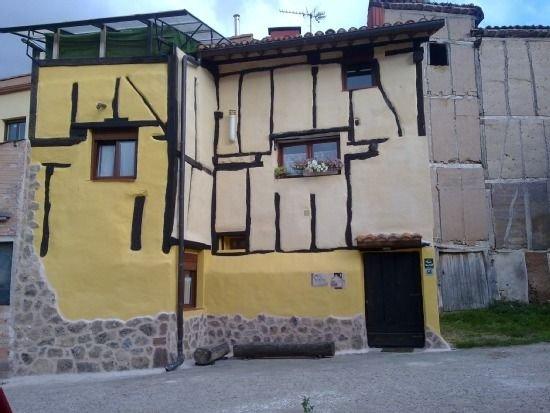 Apartamento rural La Taba para 3 personas, holiday rental in Ezcaray