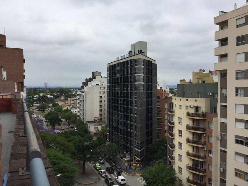 Apartamento El Balcón, a pasos de Universidad UNC., alquiler de vacaciones en Ongamira