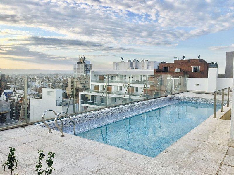 Hermoso dpto con piscina en nueva cordoba, location de vacances à Ongamira